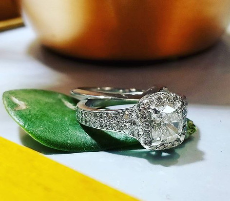Cushion cut diamond in platinum! #unionh