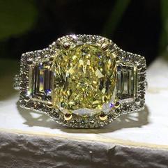 4 carat investment grade canary diamond