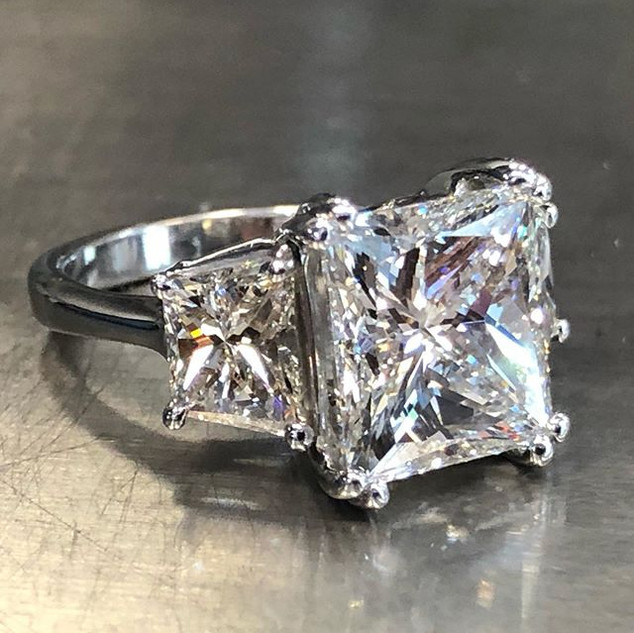 6 carat plus center dreamy 😇😇 ring. A