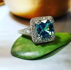 Ultra rare gemstone and diamond in plati