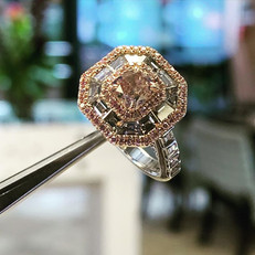 Rare pink diamond natural offset by clus
