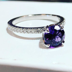 Splendid amethyst and diamond ring handm