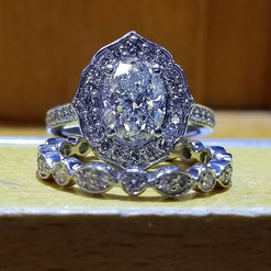 Another view of this glorious diamond ri