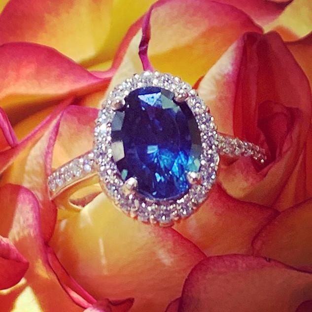 Beautiful blue tourmaline rose gold beau