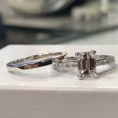 Beautiful super high quality diamond eme