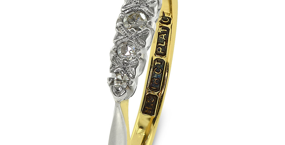 PRE OWNED: 18ct Yellow Gold & Platinum 5 Stone Diamond Ring