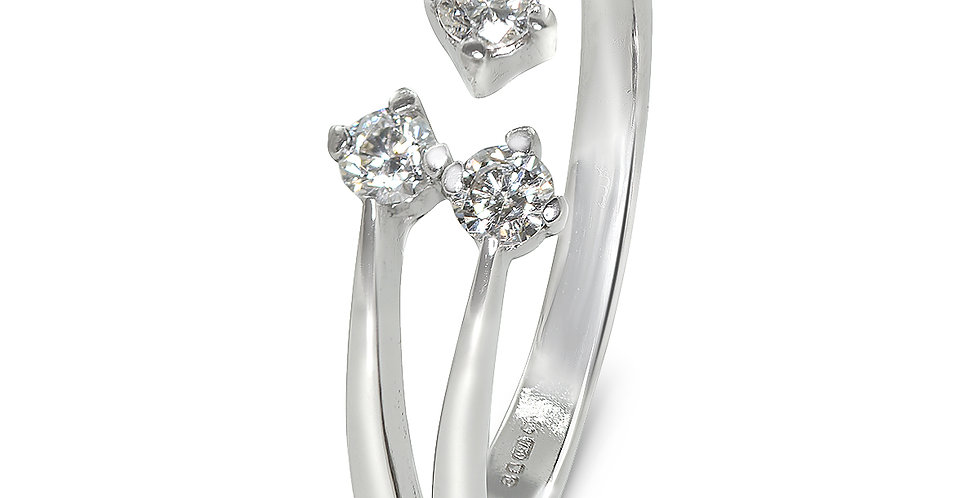 PRE OWNED: 18ct White Gold 3 Stone 0.20ct Diamond Ring