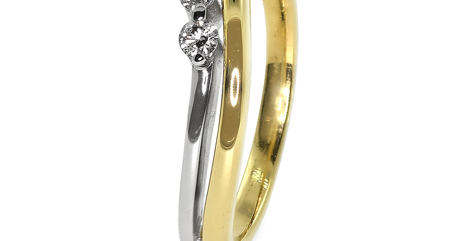 PRE OWNED: 18ct Yellow & White Gold 0.10 Diamond Ring