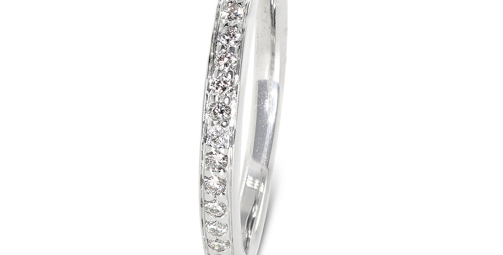 PRE OWNED: 18ct White Gold 0.20 Diamond Half Eternity Ring