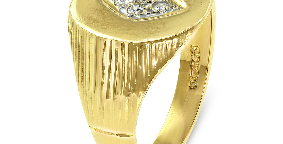 PRE OWNED: 9ct Yellow Gold 4 CZ Oval Signet Ring