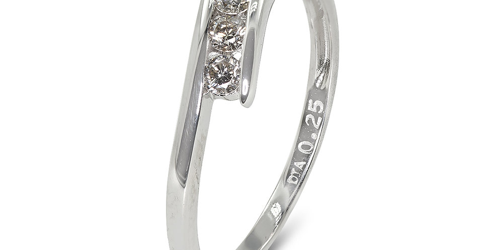 PRE OWNED: 9ct White Gold 5 Stone 0.25ct Diamond Crossover Ring