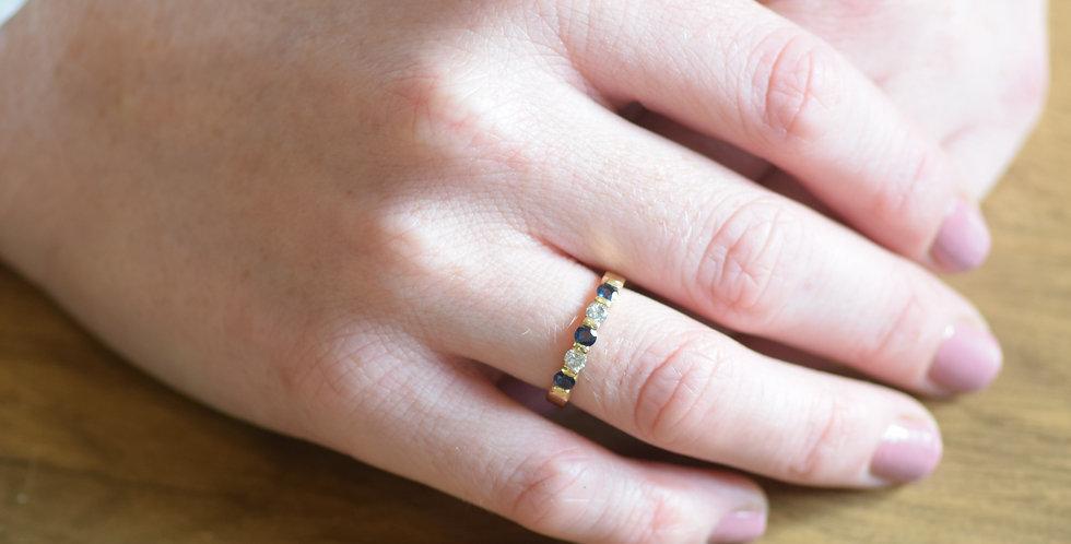 18ct Yellow Gold Blue Sapphire & Diamond Ring