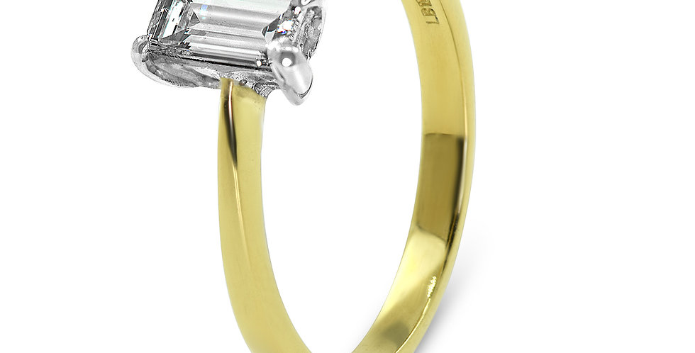 Second Hand Jewellery 18ct Yellow Gold Baguette Diamond Ring