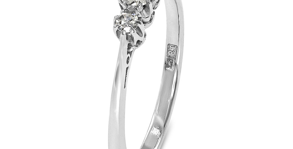 PRE OWNED: 18ct white Gold 3 Stone 0.25ct Diamond Trilogy Ring