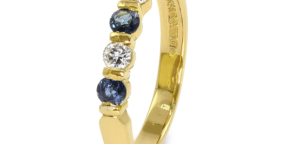 PRE OWNED: 18ct Yellow Gold Blue Sapphire & Diamond Ring