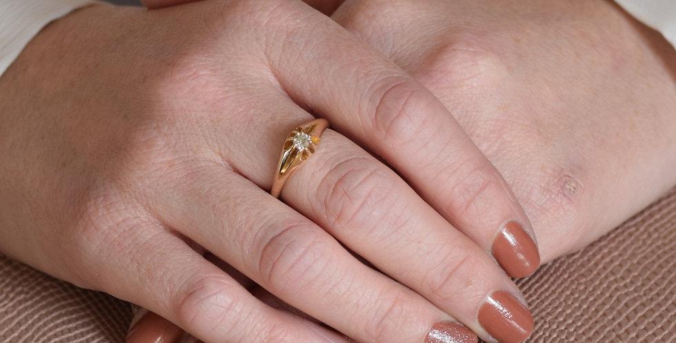18ct Yellow Gold Vintage Single Stone Diamond Ring