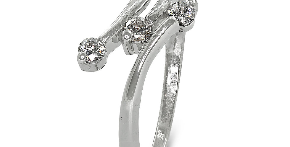 PRE OWNED: 9ct White Gold 3 Diamond 0.15ct Ring