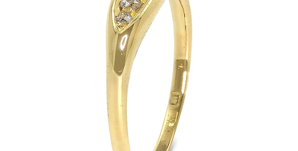 PRE OWNED: 18ct Yellow Gold Vintage 5 Stone Diamond Boat Ring