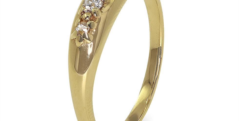 PRE OWNED: 9ct Yellow Gold Vintage Diamond Ring