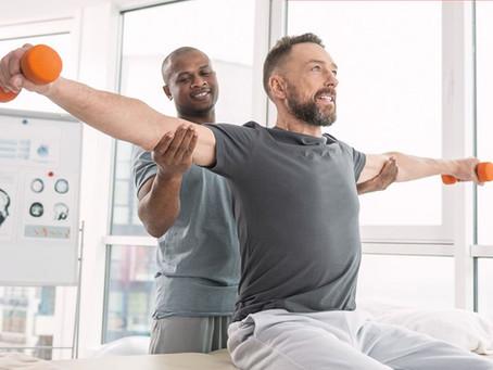 Métodos con los que los fisioterapeutas pueden ayudar a un paciente recientemente lesionado.