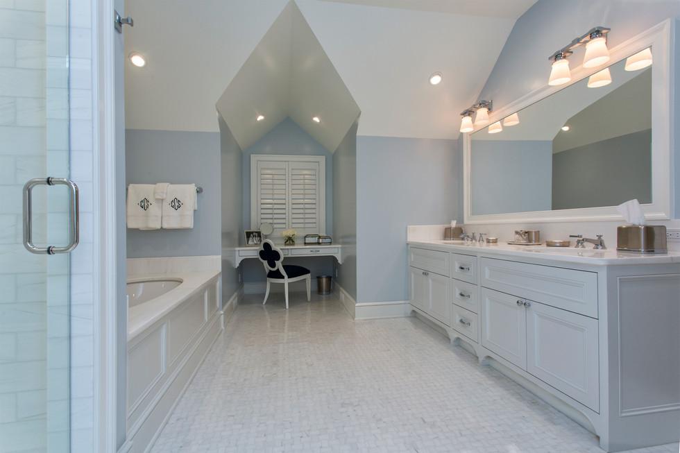 Greenbrier Master Bathroom 2.jpg