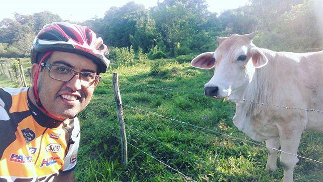 Selfie com meu amigo Picanha!__#mountainbikersbr #mountainbike #familiapedal7 #ciclismo #ciclismorur