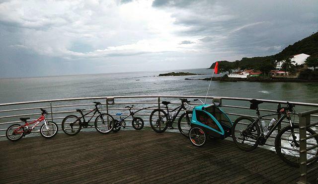Tempo em família + Bike + Praia = combinação perfeita #familiapedal7 #familyonbikes #bringyourkids #