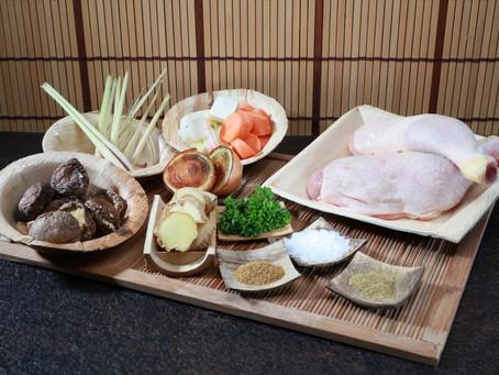 """herbal"" Hühnerbrühe im ""slow cook"" Verfahren"