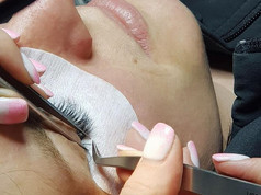 4D application of Volume Lash extensions
