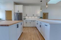 Bright Modern Farmhouse Kitchen