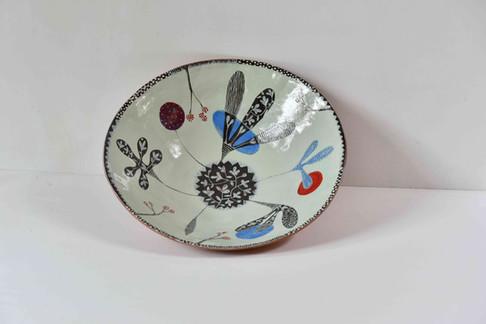 shallow green bowl, leafy design.jpg