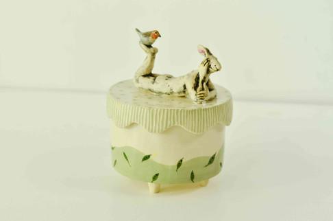 Hare and Robbin Box