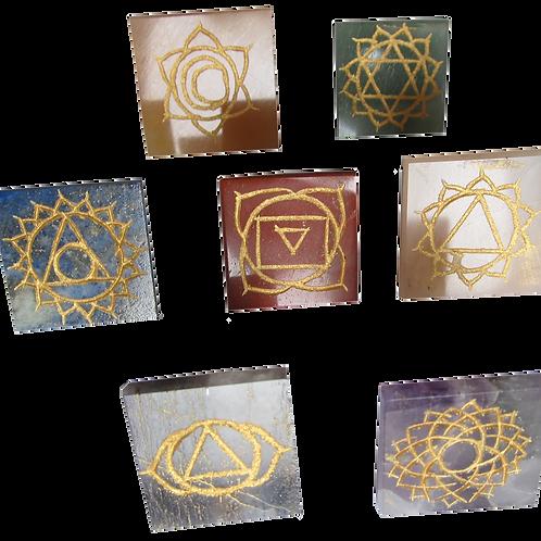 Set de 7 Cuarzos Pirámides grabados