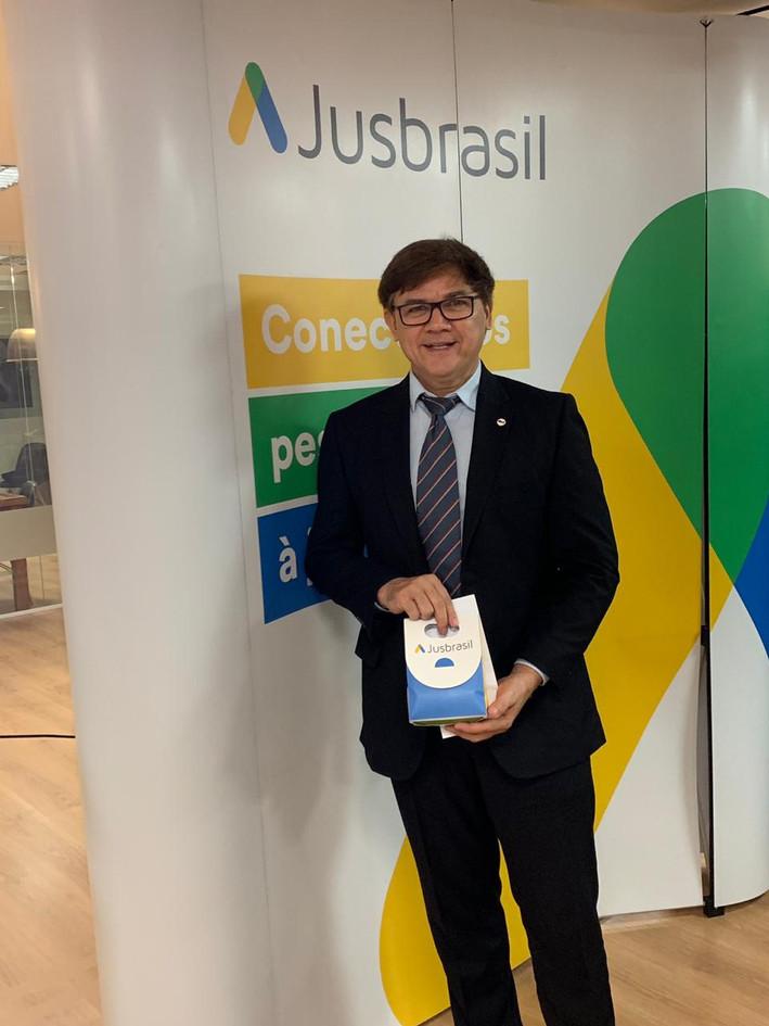 Advogado Jairo Sousa homenagem JusBrasil