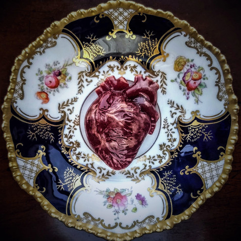 Red Heart, glass and Edwardian saucer, d: 13cm (heart: 6 x 4 x 20 cm) 2018..