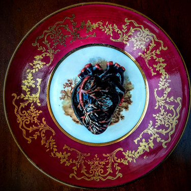 Black and ed heart, 1950s saucer, d:12cm,  2019.