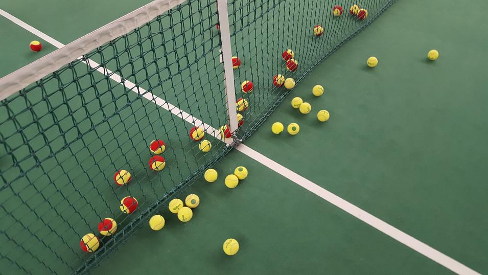 tennis-1732279_1920.jpg