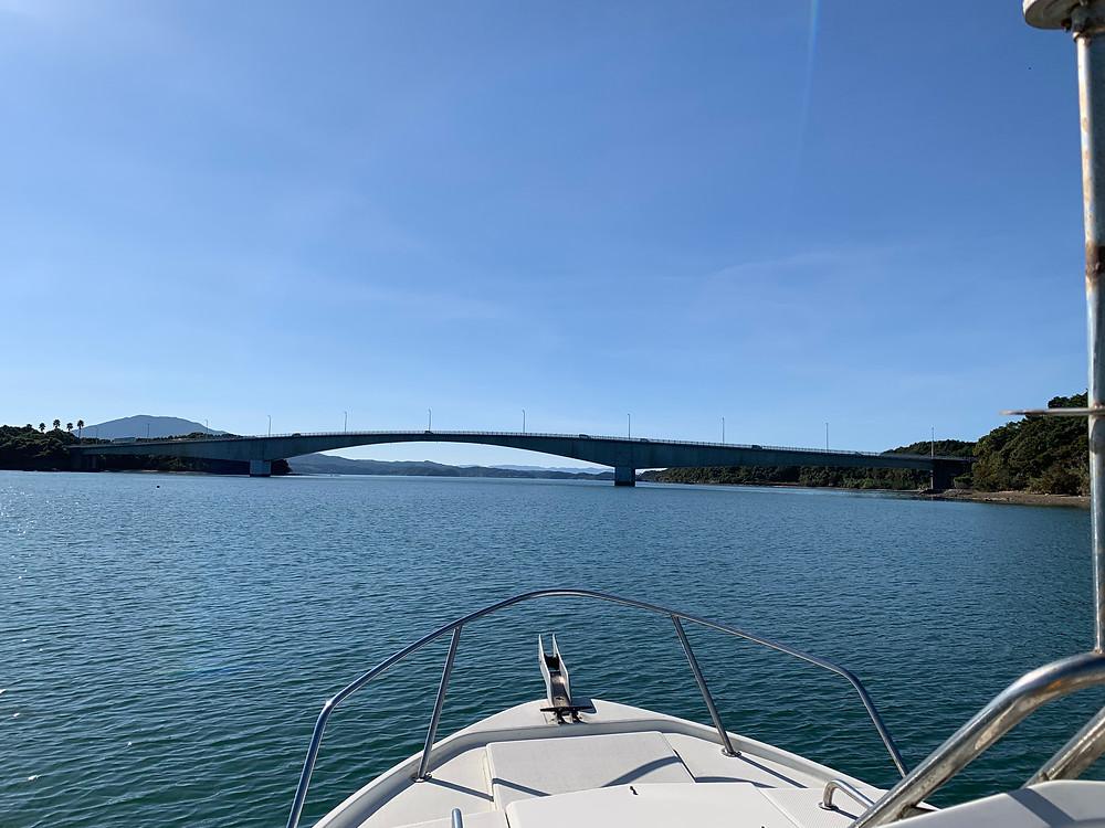 上天草の中の橋 永浦島から大池島を結んでいる