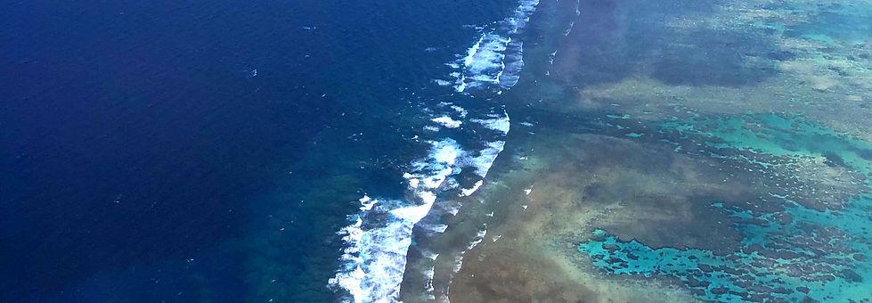 石垣の海.jpg