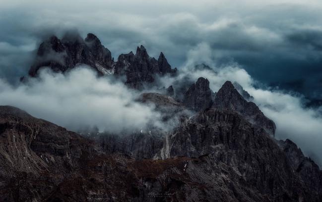 Dark-Dolomites-2048.jpg