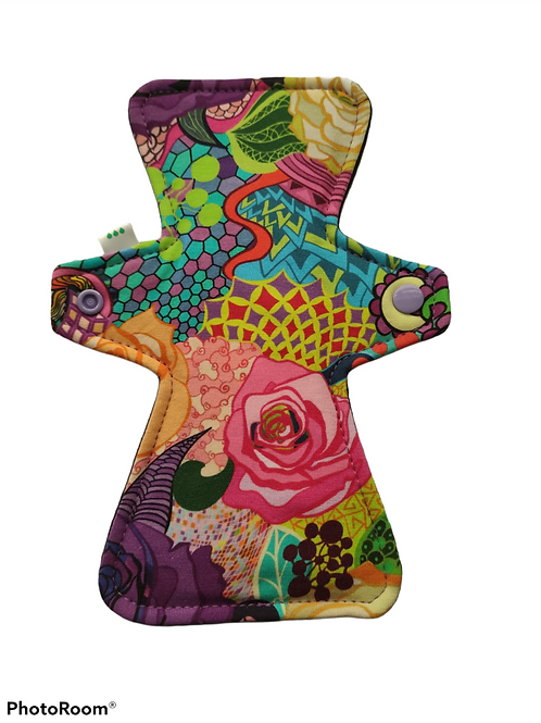 "9"" Organic Jersey, regular cloth pad. colourful roses"