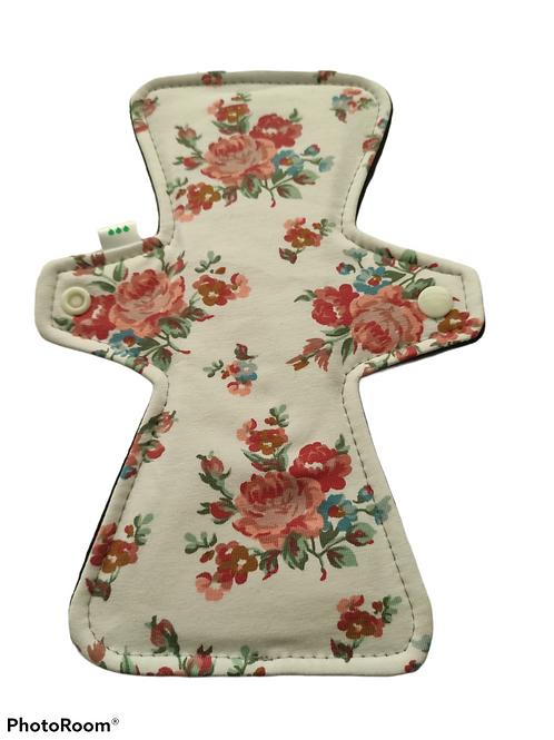 "9"" Jersey, regular cloth pad. Roses"
