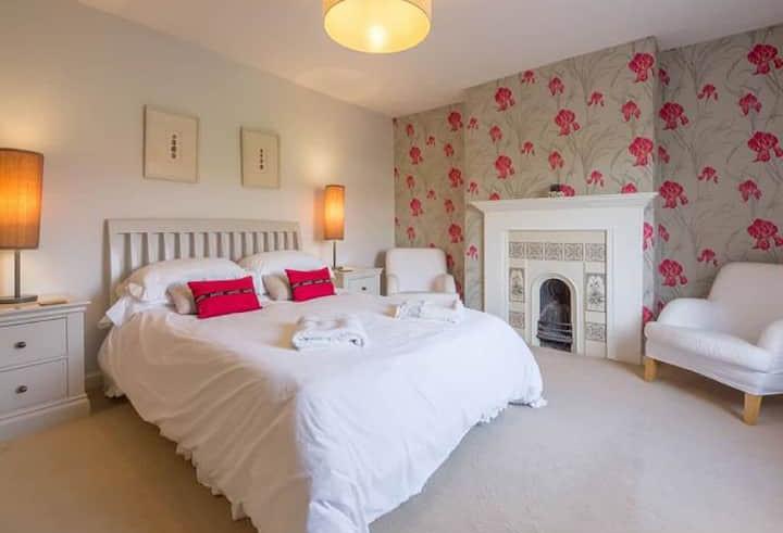 Albion House - Bedroom 2.jpg