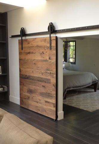 sliding-barn-door-adjustment_edited.jpg