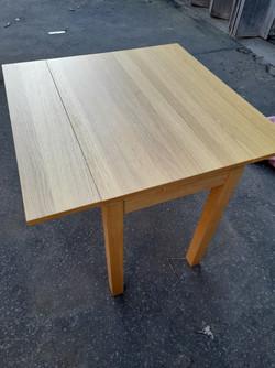 SLIDE LEAF TABLE £40