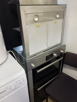 """COOKER AND EXTRACTOR FAN DOUBLE OVEN COOKER SLOT IN REAR MEASURES: 21.5"""" WIDE X 34"""" HIGH 34"""" DEPTH C"""