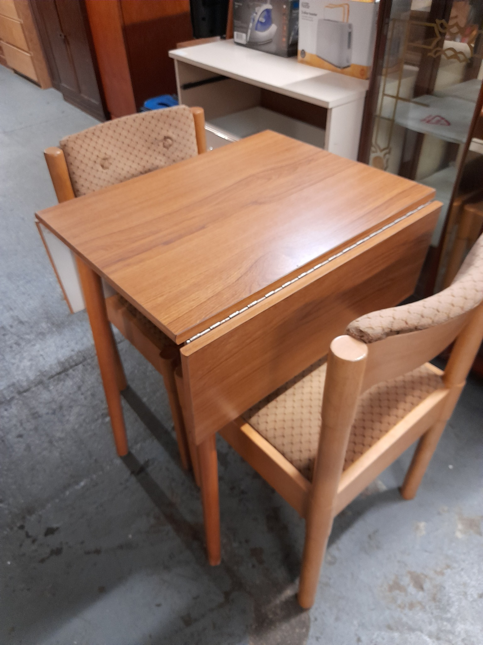 SMALL DROP LEAF TABLE AND TWO CHAIRS £65