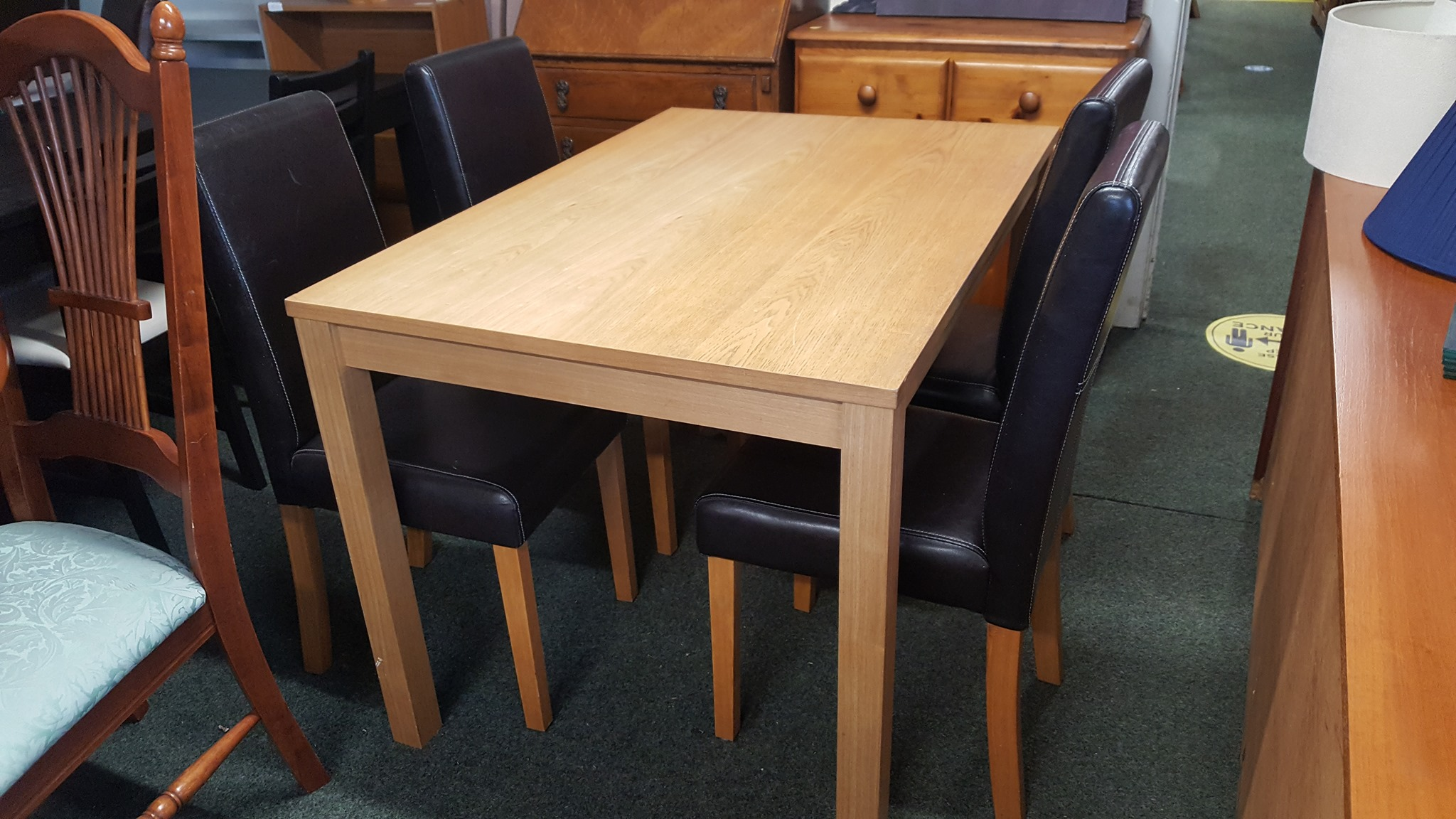 OAK TABLE AND 4 CHAIRS £95