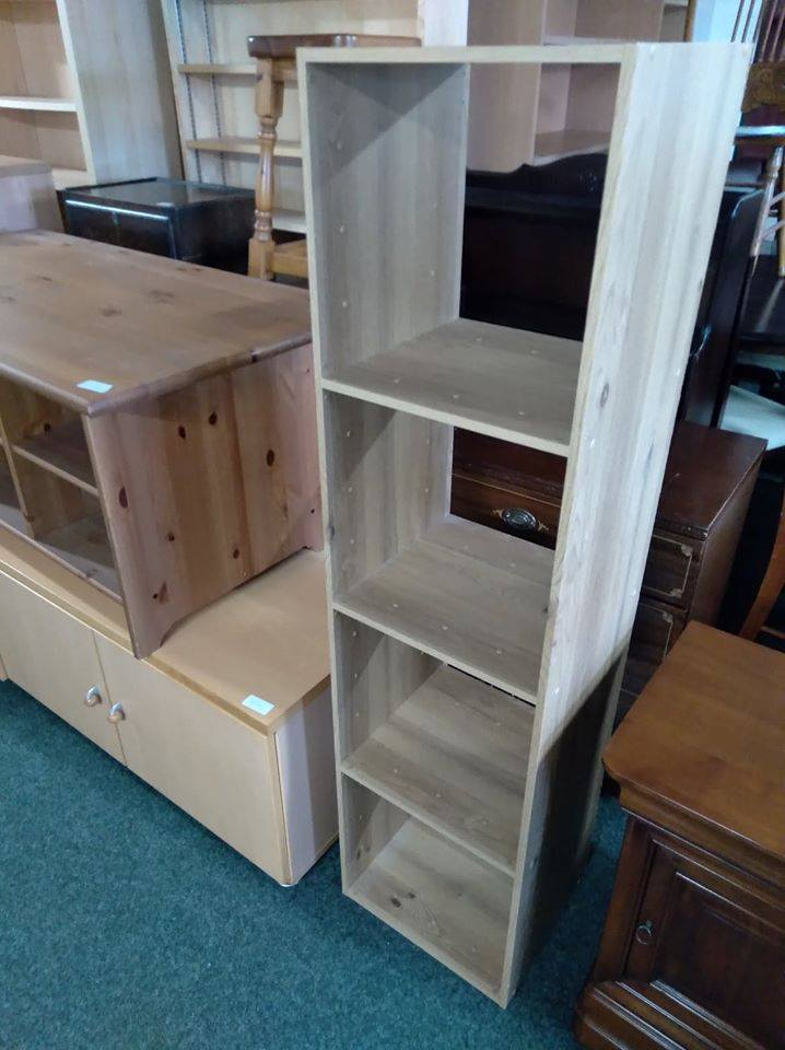 SHELF UNIT £25