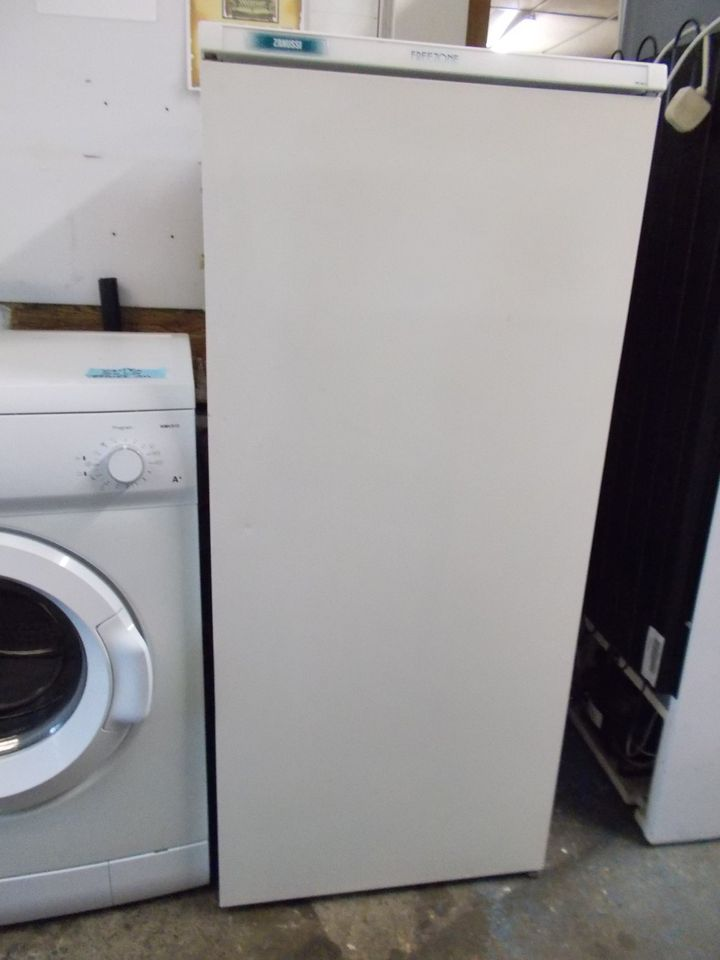 ZANUSSI FRIDGE £75